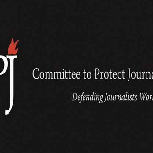 Journalism students highlight plight of jailed journalists with bracelets